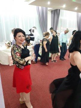 Interpreta de muzica populara Madalina Pescaru Dinu