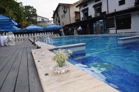 Nunti la terasa cu piscina Craiova