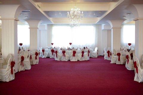 Salon Imperial Restaurant nunti Craiova Ambasador