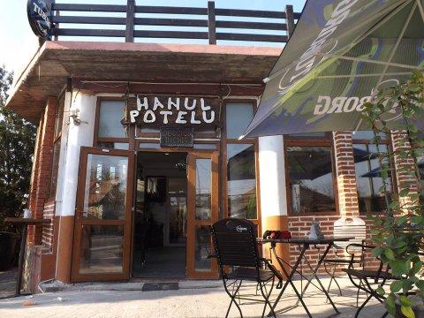 Hanul Potelu restaurant mese festive Craiova