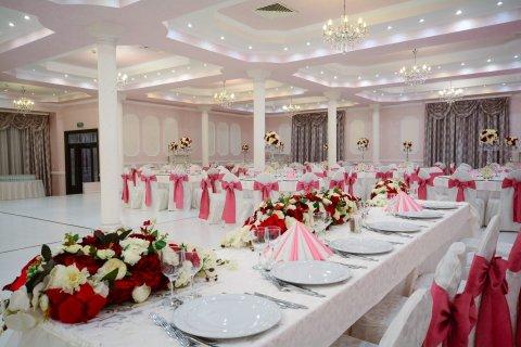 Baba Novac local nunta