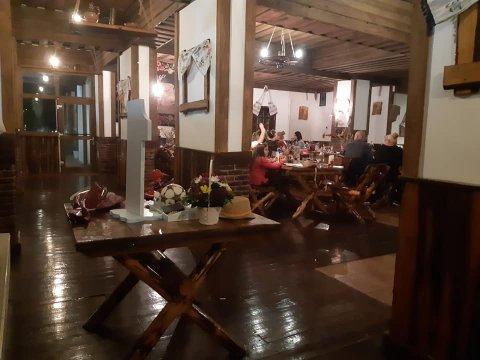 Restaurant rustic Terasa Baniei Craiova