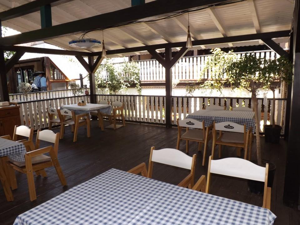 Restaurant Grecesc Craiova Taverna To Petrino