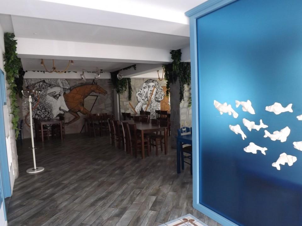 Restaurant interior Taverna To Petrino